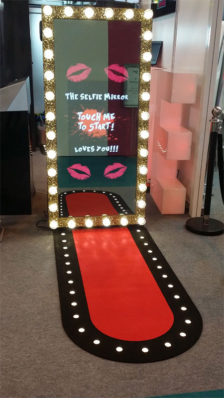 Online Booking For Photo Booth Hire In Surrey Berkshire